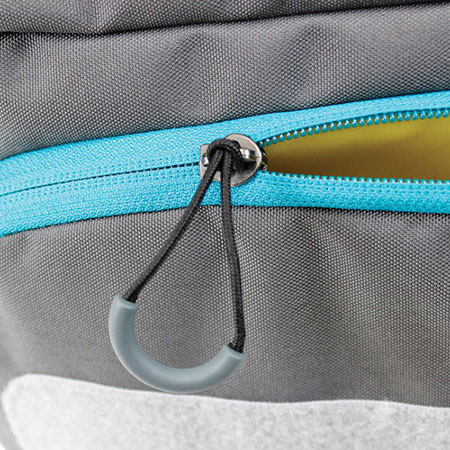 Close up of zipper pulls for the AC580T, Large Tech Messenger bag by Ape Case